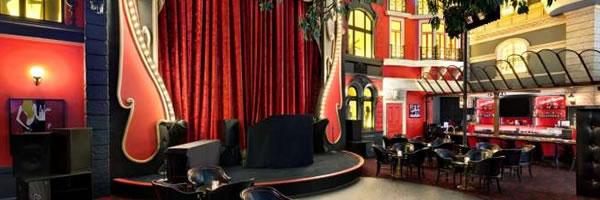 Le Cabaret bar at Paris