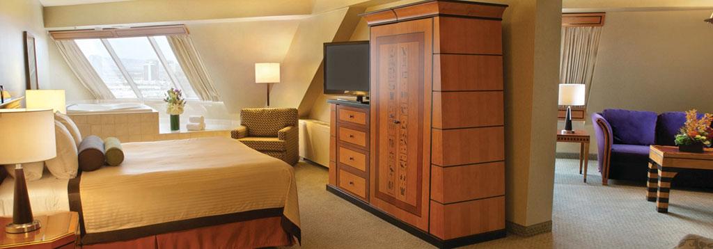 Las Vegas Luxor 1 Bedroom Suite Deals