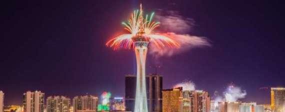 Las_Vegas_fireworks_e