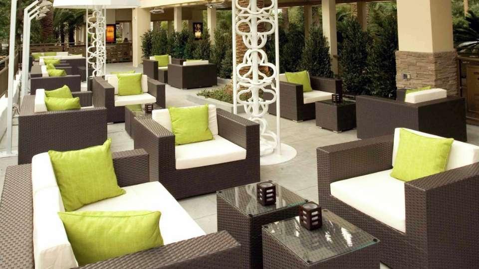 Las Vegas Rhumbar outdoor lounge